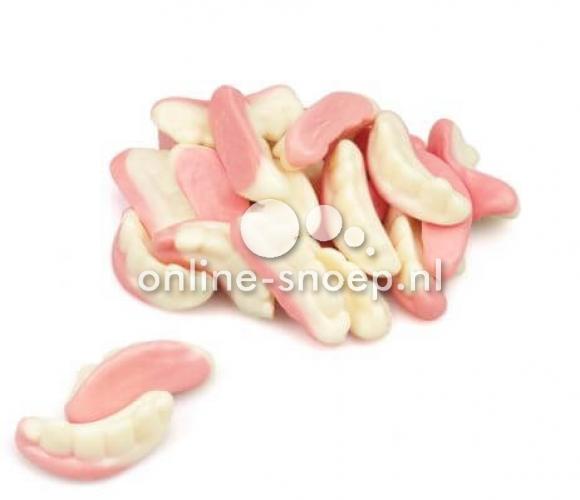 tanden van Fini